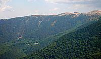 Вид с Синаб-Дага на северные обрывы Бабугана, Гавриельскую поляну, Скалу Аккот-Джами