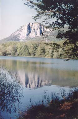 Вид на Парагельмен от Горного озера